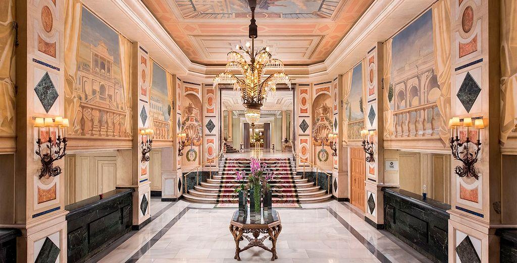 Con elegantes y clásicos interiores