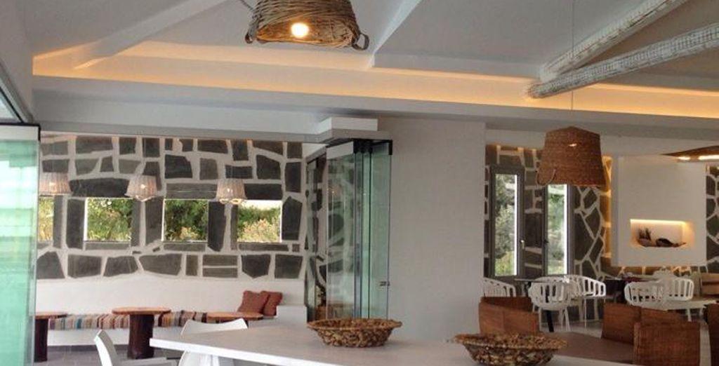 Diseño y confort en amplios y luminosos salones