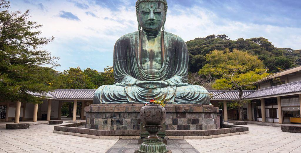 Al día siguiente saldremos temprano para visitar el Gran Buda en Kamakura, de dimensiones imponentes
