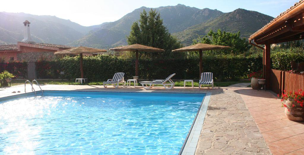 Dos piscinas exteriores