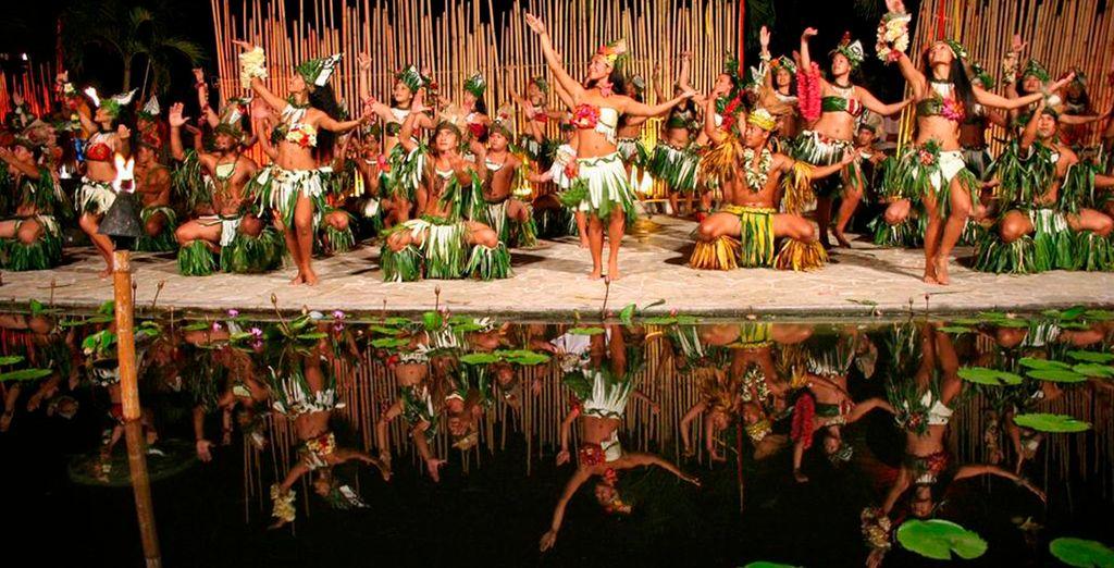 Disfrute de un espectáculo típico en Meridien Tahití