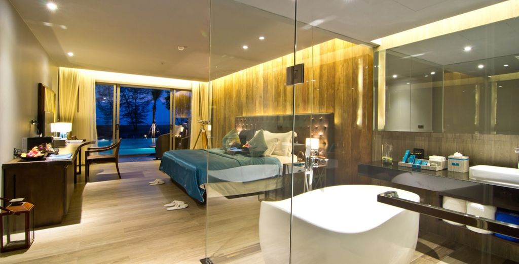 Con baño moderno y lujoso