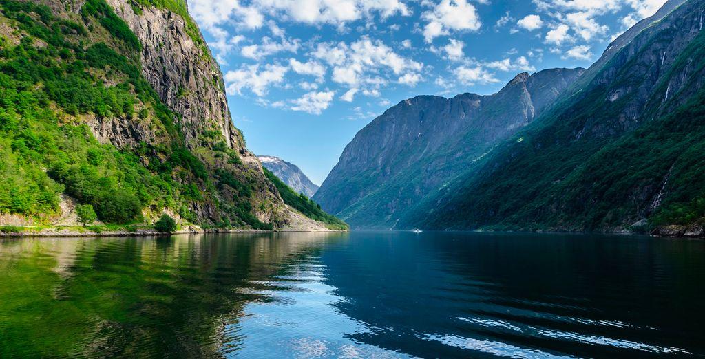 Visite Nærøyfjord, el fiordo más estrecho del mundo