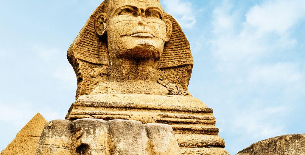 Visite la famosa escultura de La Esfinge