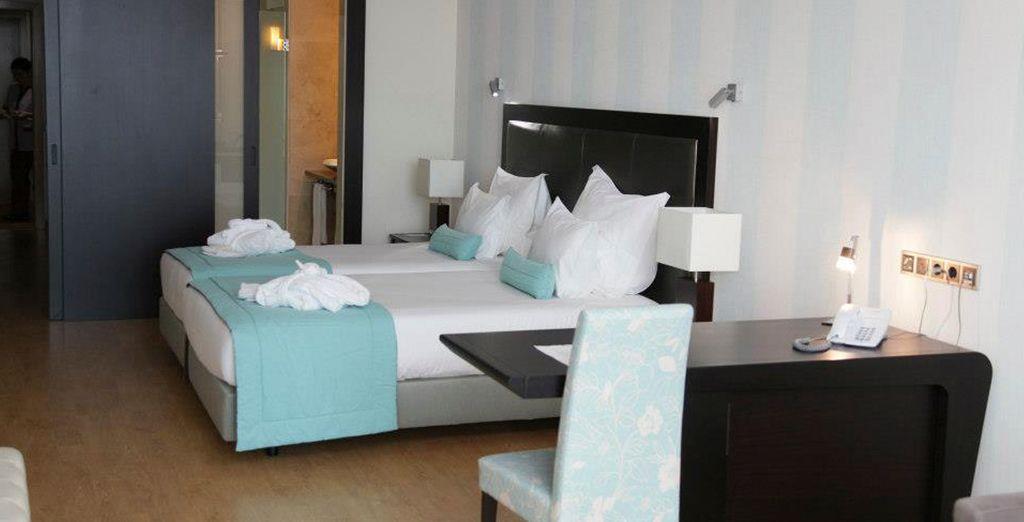 Descanse en amplias y elegantes estancias