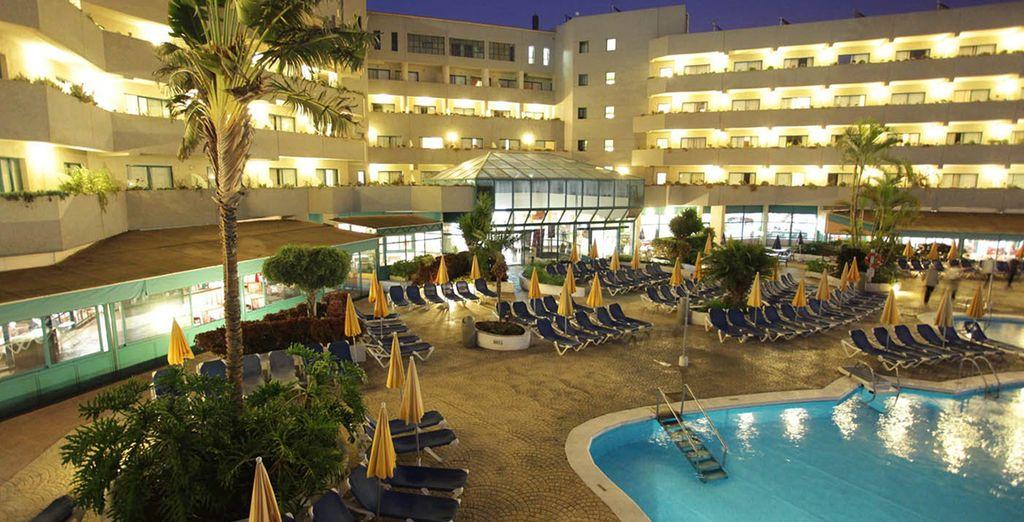 Disfrute de la noche en el hotel
