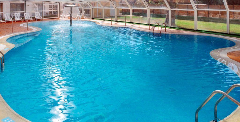 El Hotel Oasis Park & Spa dispone de piscina climatizada