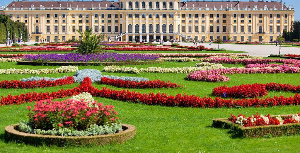 Los bellos jardines del Palacio de Belvedere Viena
