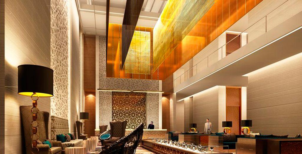En Jaipur se alojará por 2 días en el Hotel Holiday Inn City Center