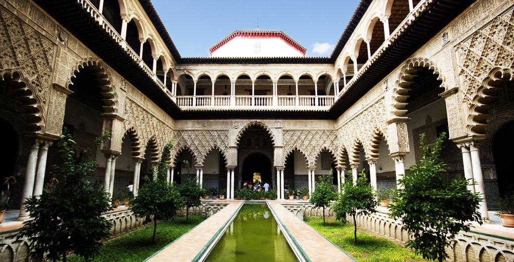 Visite el Alcázar, fiel testigo de la historia de Sevilla