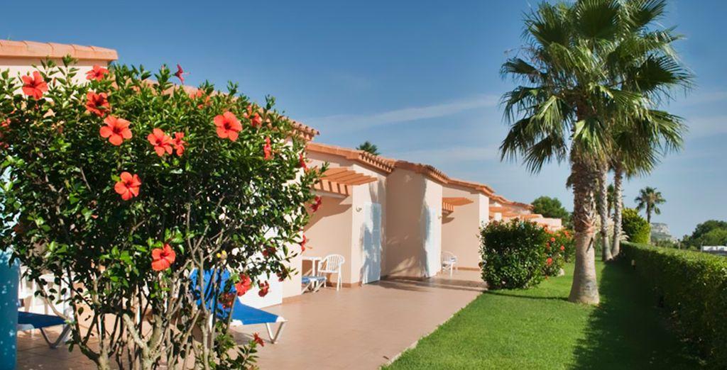 Las villas gozan de vistas al mar y terraza privada