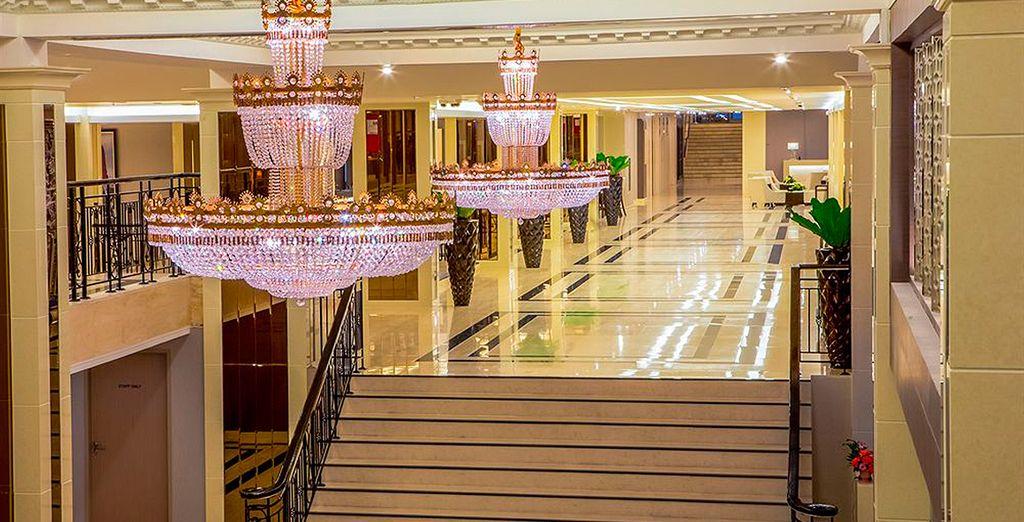 Se alojará en el Hotel Mandarin Managed by Center Point 4*