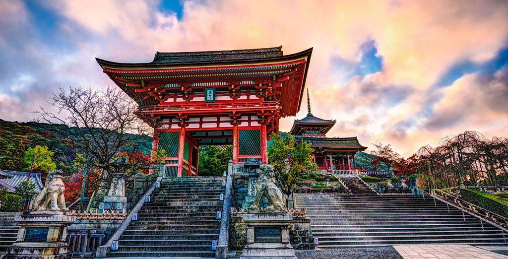También visitará el hermoso templo de Kiyomizu