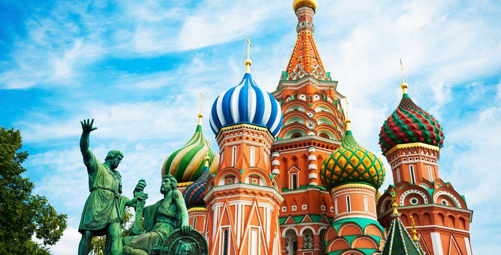 Admire el colorido y famoso Kremlin