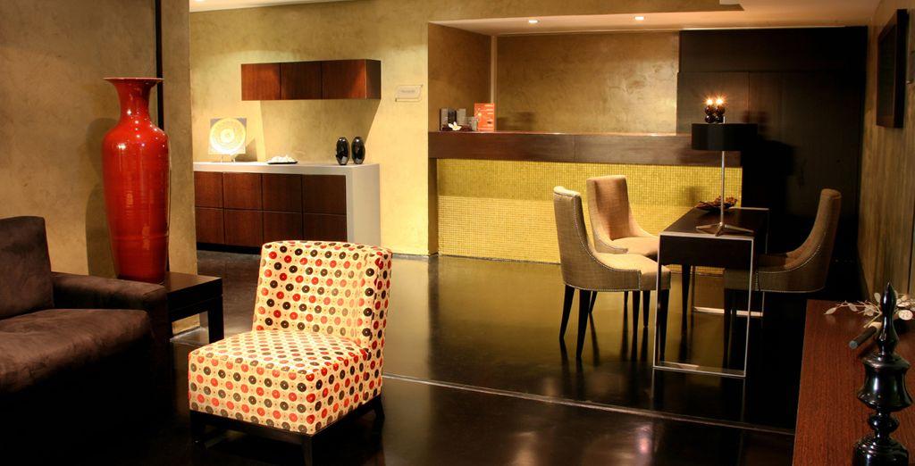 El hotel cuenta con un estilo lujoso pero informal
