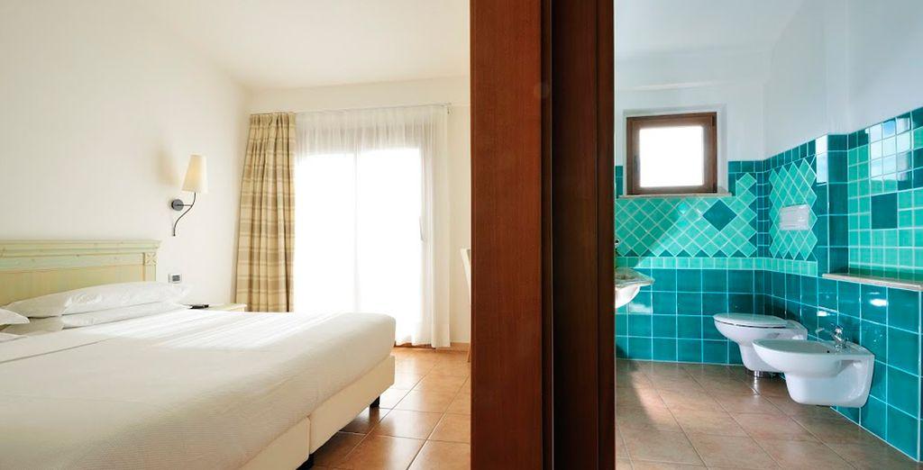Habitaciones luminosas con amplio cuarto de baño