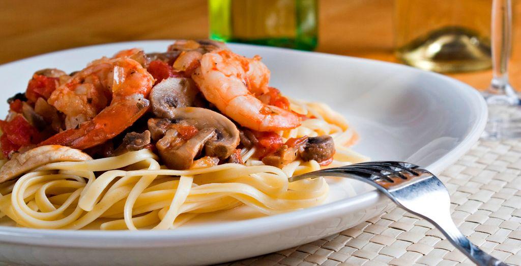 Si se aloja 7 noches o más, disfrutará de una exquisita cena con lo mejor de la cocina sarda