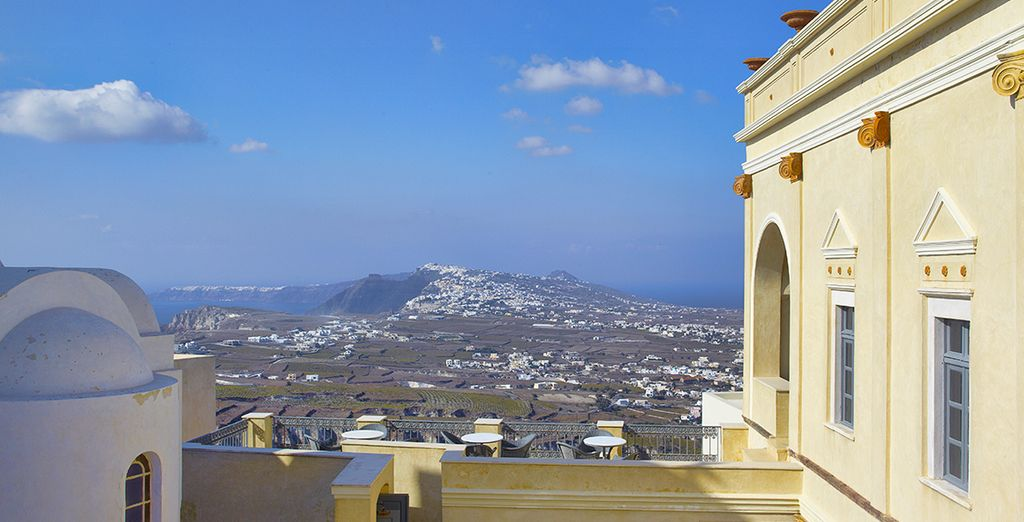 Disfruta de vistas a la isla desde el hotel