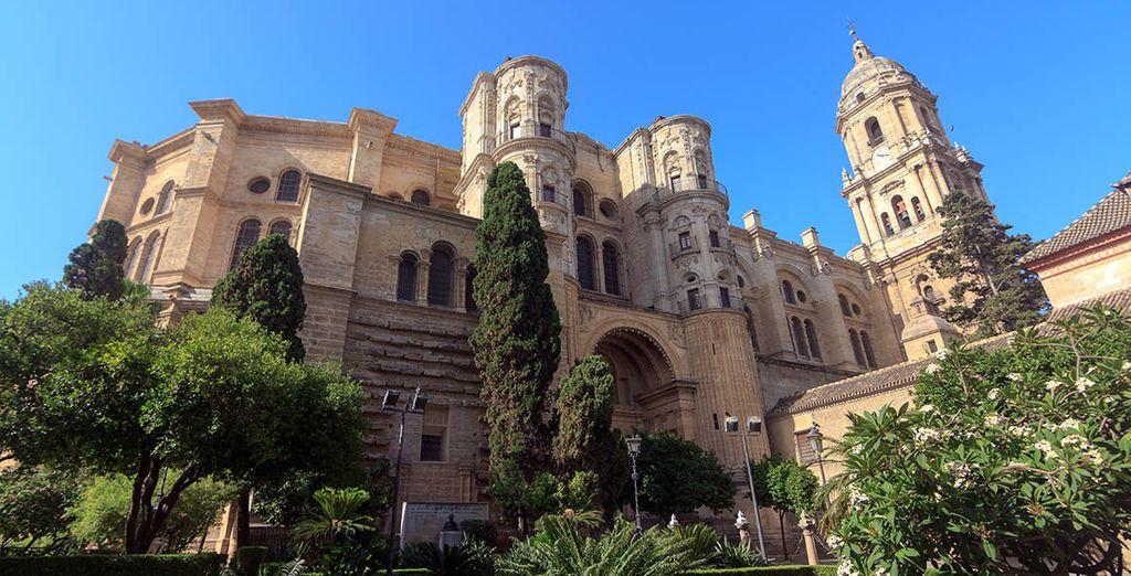 Visita Málaga y su catedral