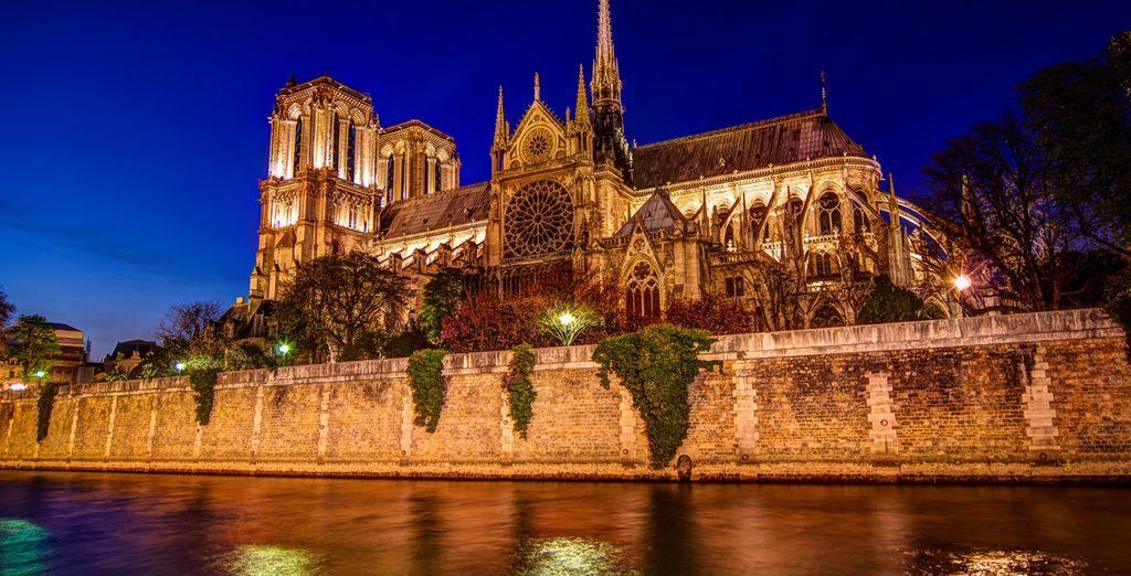 Visita Notre Dame, una de las catedrales góticas más antiguas del mundo