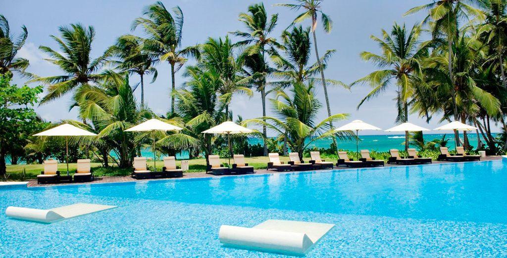 Relájate en la piscina de este hotel sólo para adultos