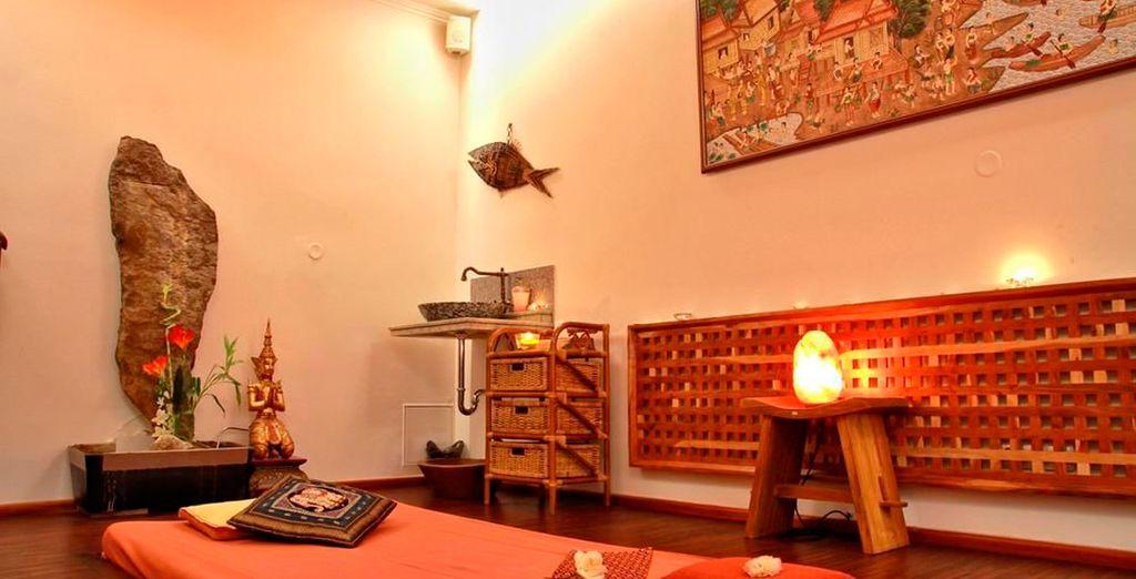 El hotel alberga el Thai & Wellness Club, que está especializado en baños relajantes, envolturas de belleza, masajes ayurvédicos indios y masajes tailandeses
