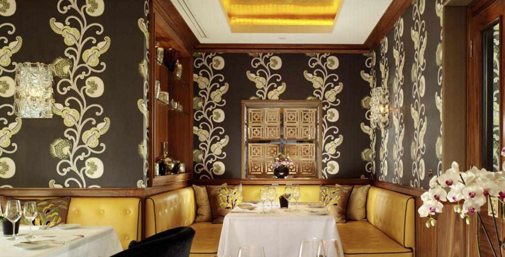Degusta la mejor gastronomía en Seven Park Place de William Drabble...