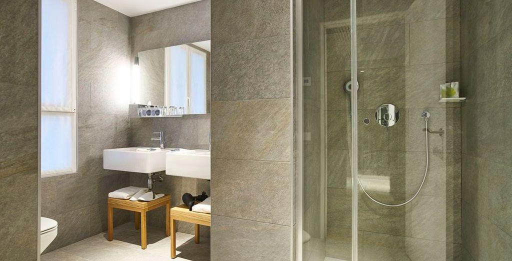 Baños sifisticados con lo imprescindible para pasar una estancia perfecta