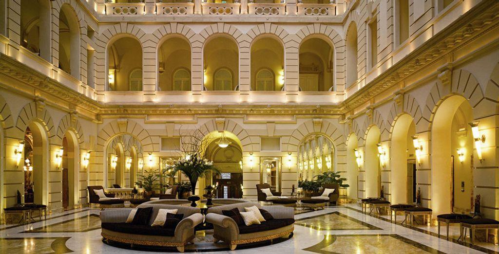 Hotel Boscolo Budapest 5*, un elegante y lujoso edificio del siglo XIX situado en el centro