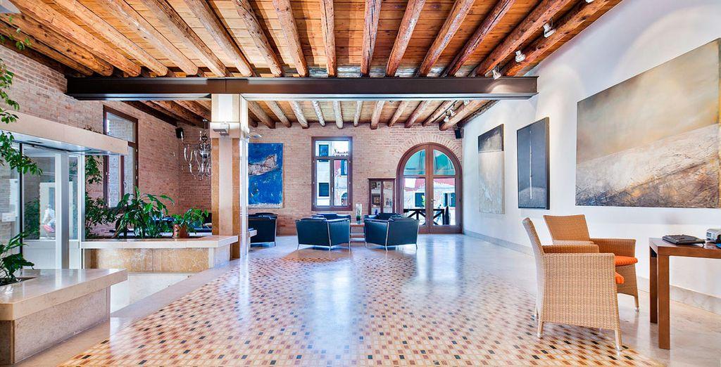 Su diseño moderno se conjuga a la perfección con los elementos arquitectónicos típicos venecianos