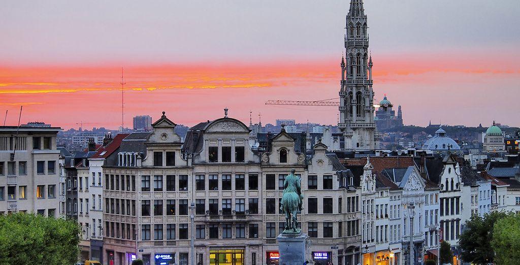 Admira los magníficos edificios que inundan la ciudad