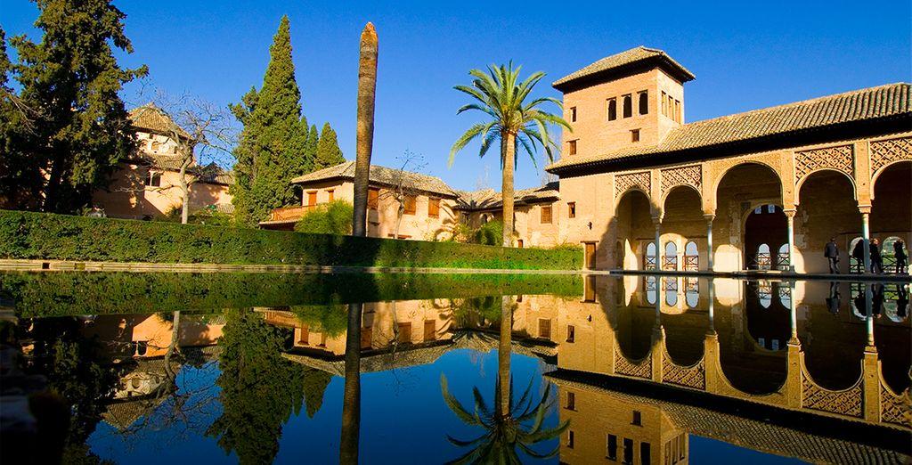 Disfruta de la Alhambra, a tan sólo una hora del hotel