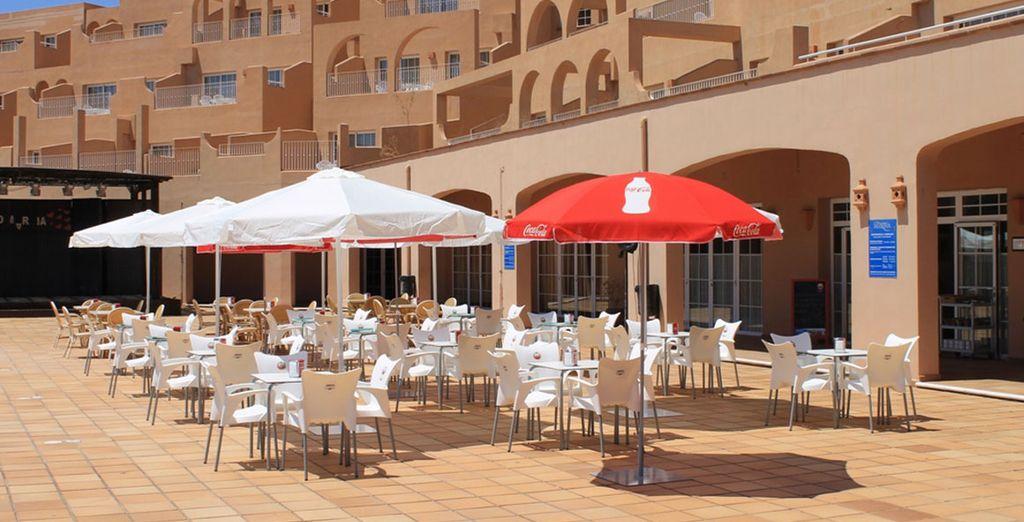 Bar con terraza para tomar un refresco