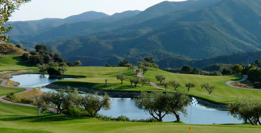 Impresionante campo de golf de 18 hoyos diseñado por Severiano Ballesteros
