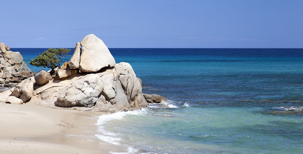 Pasea por sus playas infinitas