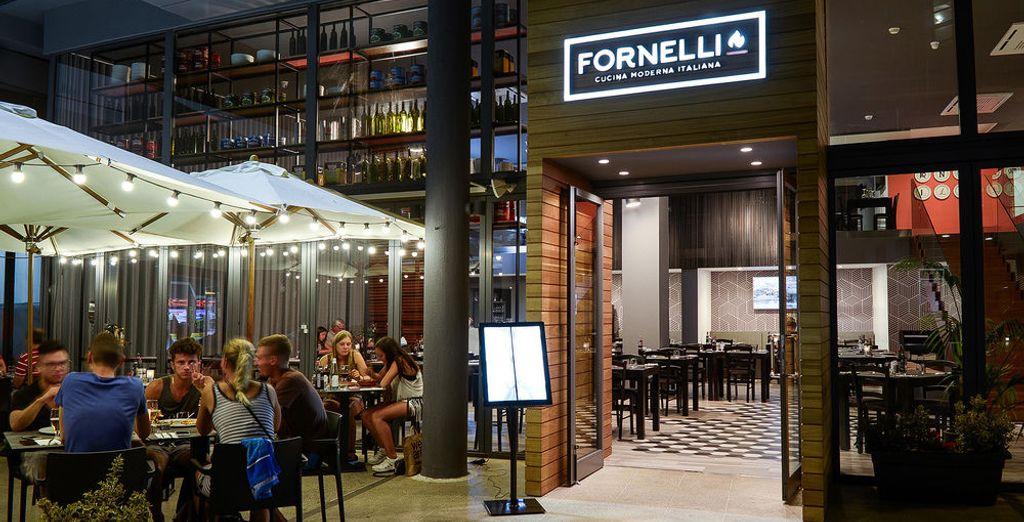 Fornelli es un restaurante que se encuentra dentro del Centro comercial Bay Street, conocido por ser una trattoria