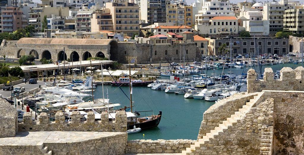 Descubre la oferta cultural y el patrimonio de la mayor de las Islas Griegas