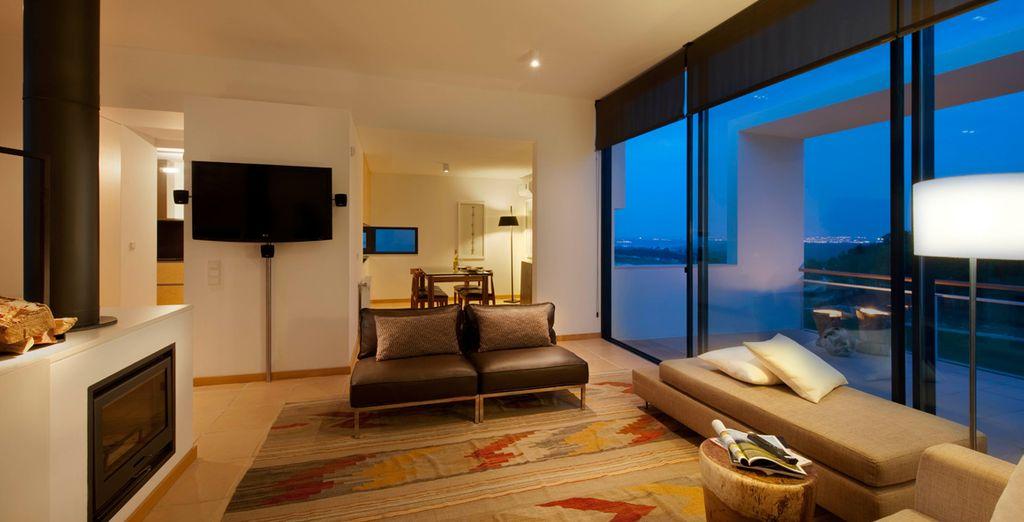 En la planta baja, una suite espaciosa e íntima te invita a relajarte