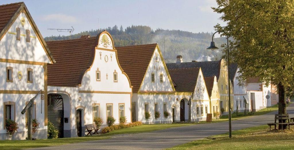 Tu siguiente visita será a Holasovice, impresionante población cuyas variadas construcciones están reconocidas por la UNESCO