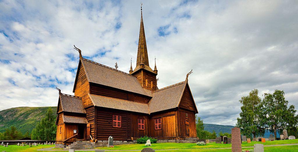 Realizaréis una parada para visitar la iglesia de madera de Skei