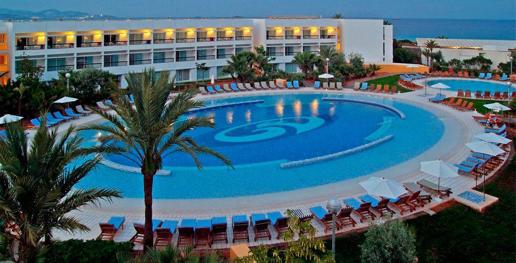 Un lugar ideal para unas vacaciones inolvidables justo en frente de la famosa Playa d'en Bossa