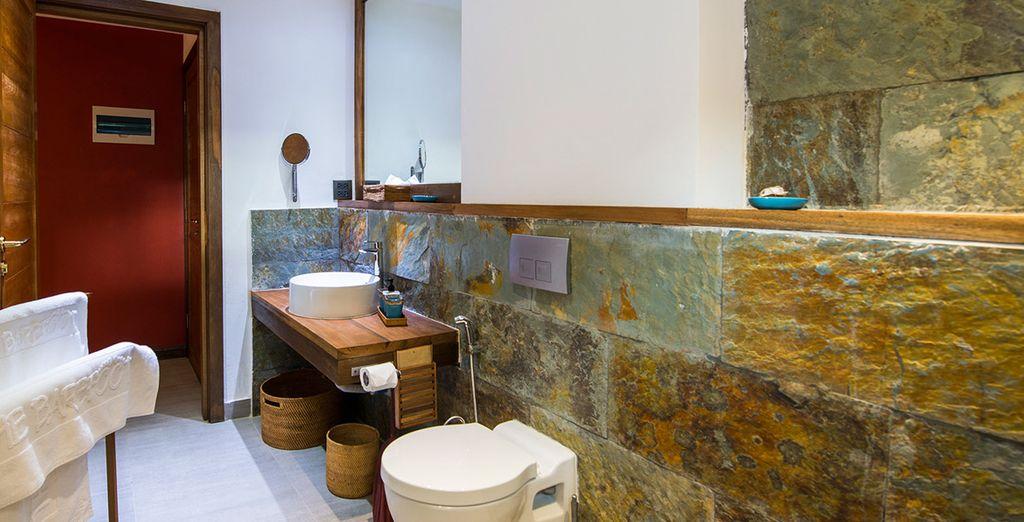Equipado con baño privado, aire acondicionado, ventilador de techo, WiFi...