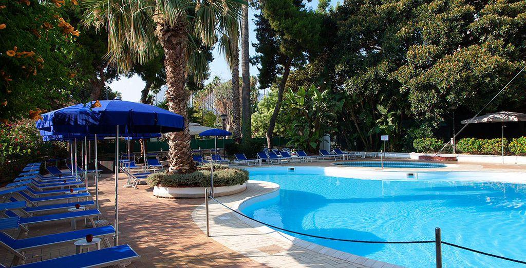 Refréscate en su piscina al aire libre