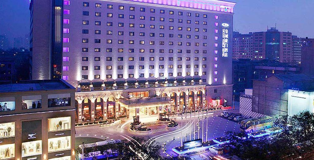 Te alojarás en el Hotel Grand Noble 5* en Xian