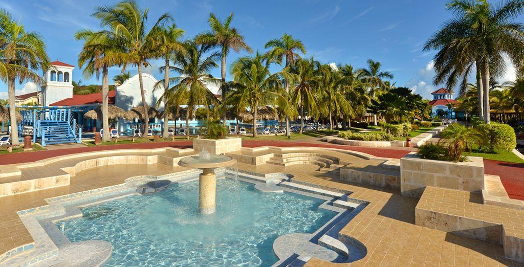 Varias piscinas para disfrutar de un entorno increíble
