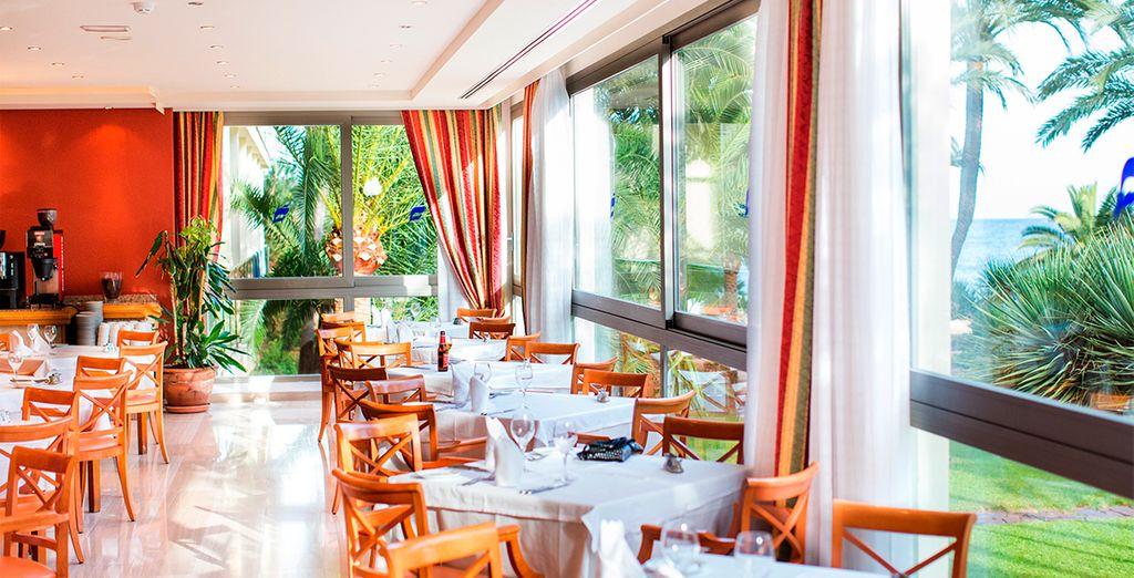 Deguste la gastronomía mediterránea en su restaurante a la carta