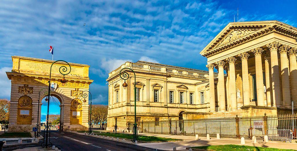 La Puerta de Peyrou y el Palacio de Justicia