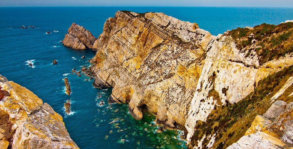 No te pierdas Cabo Peñas, y las vecinas localidades como Luanco, Antromero o Candás, a un paso