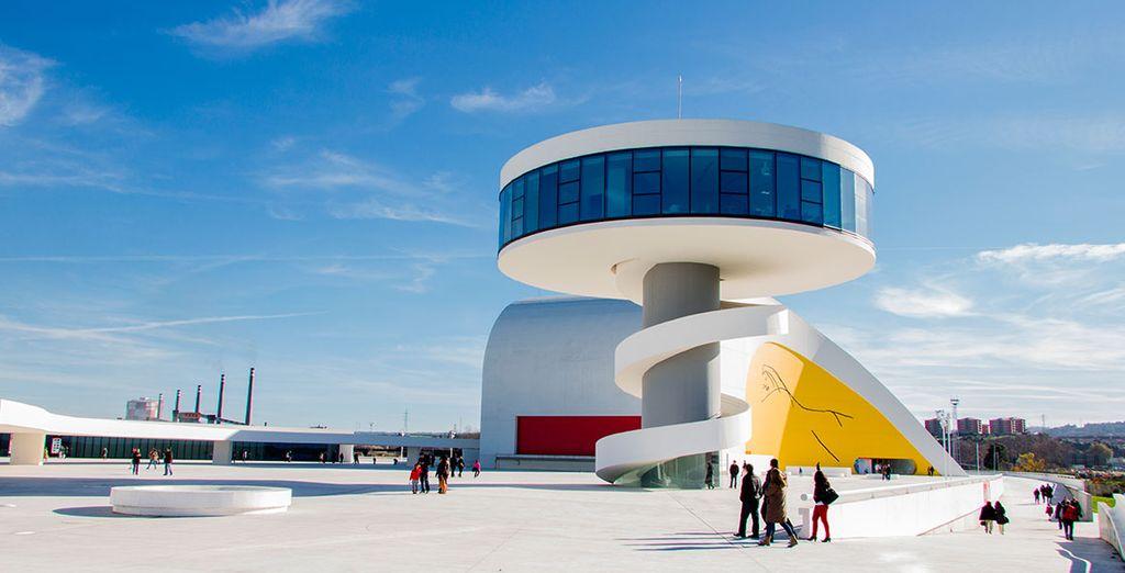 Visita el fascinante Centro Cultural Internacional Oscar Niemeyer, en Avilés
