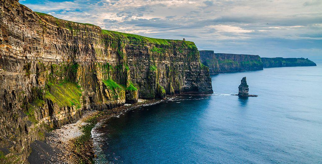 Cerca de Galway encontraréis los espectaculares acantilados de Moher